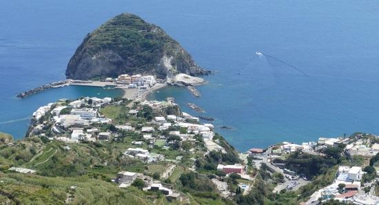 utsikt över bukten och ön Ischia
